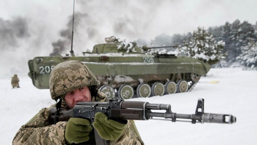 Preparação das tropas ucranianas para eventual conflito com a Rússia
