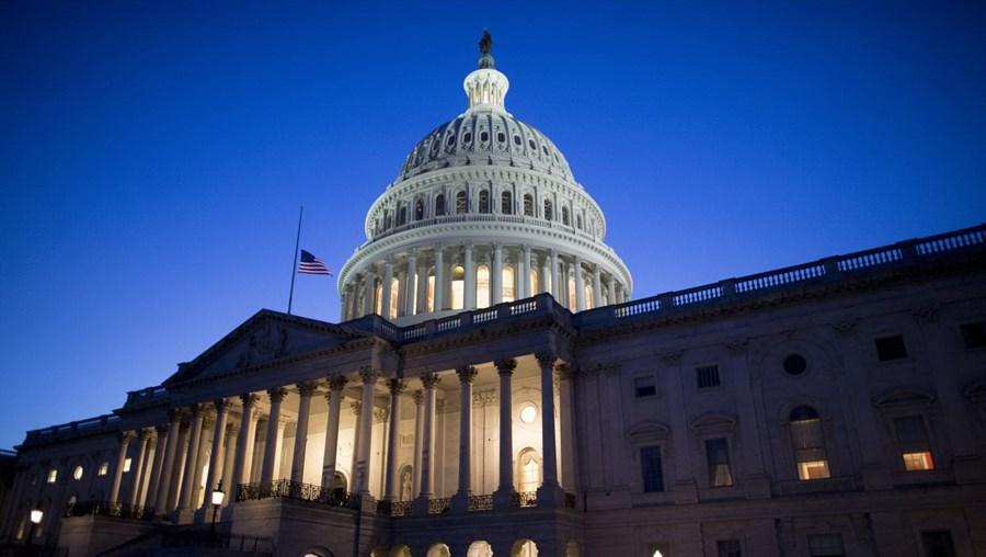 O capitólio, sede do Senado e da Câmara dos Representantes, em Washington, EUA
