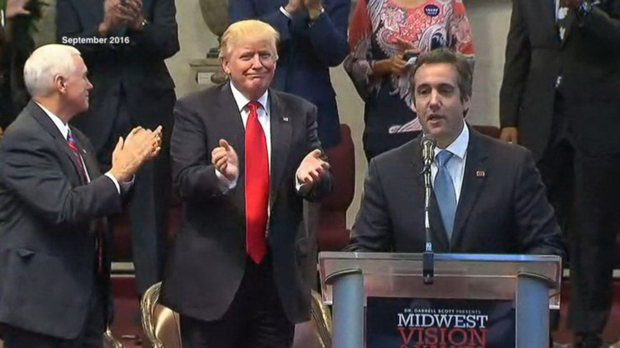 Michael Cohen com Trump em 2016