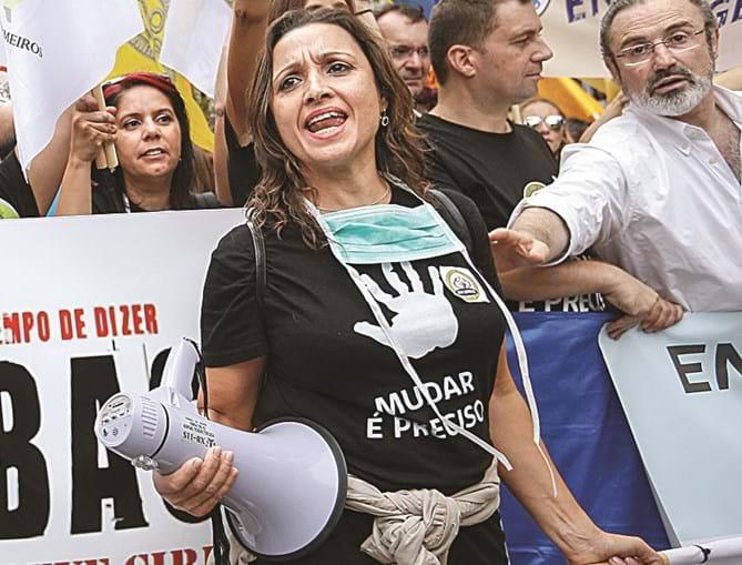 Sindicatos de enfermeiros estão divididos: uns cancelaram greves, outros não
