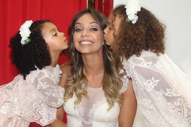Luciana Abreu com as filhas Lyonce e Lyannii