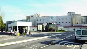 Hospital de Gaia começa na terça-feira a vacinar profissionais contra a Covid-19