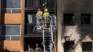 Três mortos e um bebé em estado grave num incêndio em Barcelona