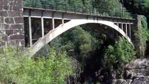 Ponte entre Amares e Vieira do Minho fechada ao trânsito por razões de segurança