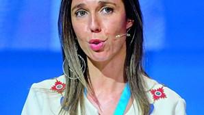 """Bastonária dos enfermeiros foi """"dar um beijo de amiga"""" a Ventura durante Convenção do Chega"""