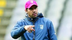 Abel Ferreira reparte favoritismo com Sporting e critica preço dos bilhetes