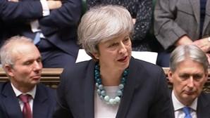 May com via aberta para renegociar Brexit. União Europeia firme em não querer negociar
