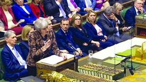 Theresa May recusa afastar Brexit sem acordo