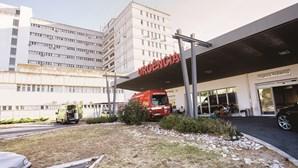 Hospital de Santarém pede encaminhamento de doentes urgentes para outras unidades por ter médicos com Covid-19 em isolamento