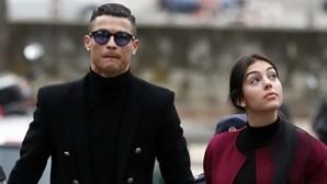 Cristiano Ronaldo paga 18,8 milhões e fica sem cadastro