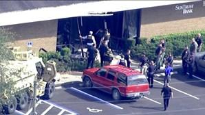 Tiroteio em banco faz cinco mortos na Florida, EUA