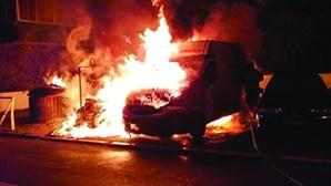 Bombeiros e PSP atacados à pedrada em bairro da Grande Lisboa