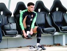 Pepe, de 35 anos, está sem clube desde que rescindiu com o Besiktas. Atualmente está a viver no Porto com a família