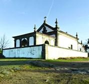Capela da Senhora da Azinheira localiza-se em São Martinho de Anta