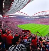 Benfica cedia jogadores em troca de favores nos jogos