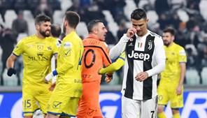 Cristiano Ronaldo com a mira desafinada em jogo da Juventus