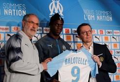 Mario Balotelli apresentado como jogador do Marselha