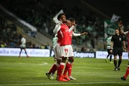Dyego Sousa comemora golo marcado ao Sporting na Taça da Liga