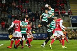 Coates marca de cabeça golo do Sporting ao Braga