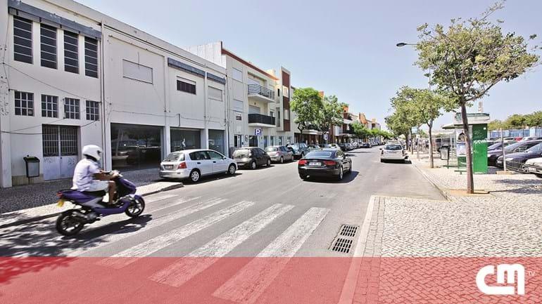 b94191e4e19 Meio milhar de lugares para estacionar à borla em Portimão - Cidades ...