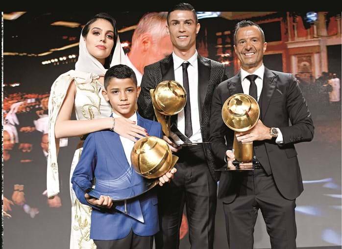 Ronaldo com Gio, Cristianinho e Jorge Mendes na gala dos Globe Soccer Awards