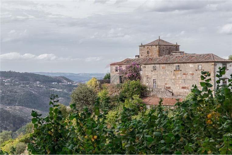 Quinta que inspirou 'A Ilustre Casa de Ramires', de Eça de Queiroz, está à venda