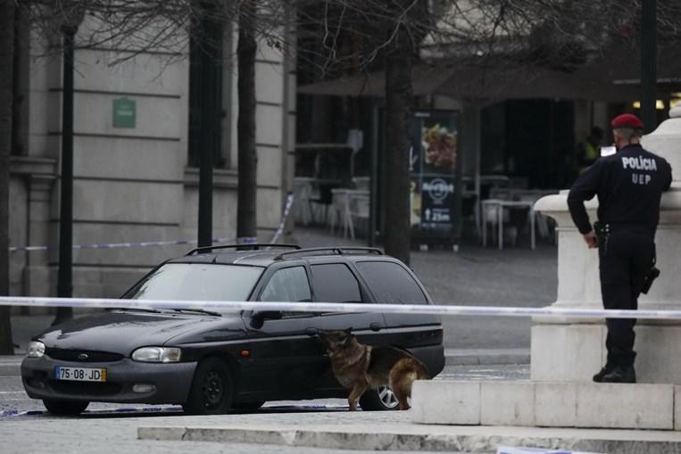 Arguido lançou o pânico ao abandonar uma viatura nos Aliados, em março de 2018. É procurado pelas autoridades