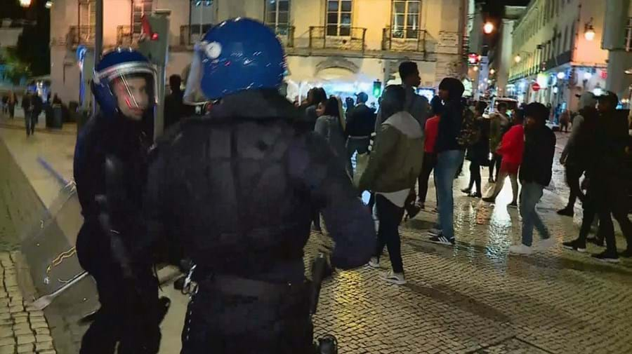 Pedradas e tiros na Baixa de Lisboa