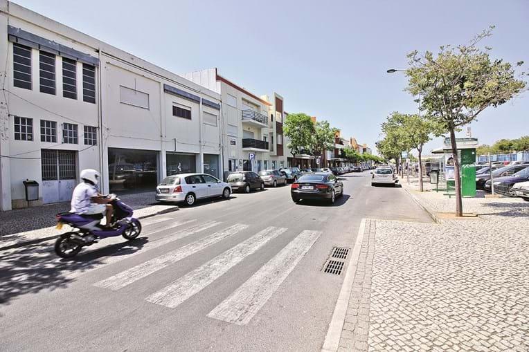Zona ribeirinha e o centro de Portimão são duas das zonas onde câmara quer disponibilizar mais estacionamento grátis