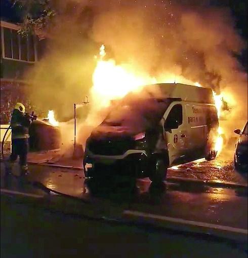 Bombeiros combateram as chamas