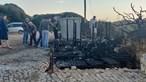 Anexo de restaurante na praia do Evaristo arde