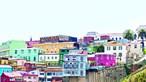 Cidade chilena de Valparaíso revela um mar de cores