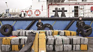 Navio escondia 125 milhões de euros em droga