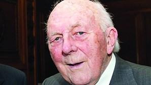 Stewart Adams (1923-2019)