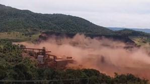 Sobe para 150 o número de mortos em rutura de barragem no Brasil