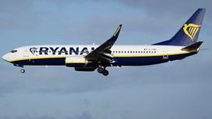 Ryanair reduz 20% dos voos em setembro e outubro por aumento de casos de covid-19