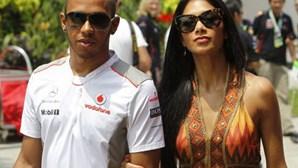 Vídeo íntimo de Lewis Hamilton e cantora circula na Internet