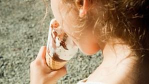 Menina de nove anos morre após reação alérgica a gelado