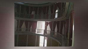 Teatro Portalegrense à venda na Internet