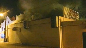 Incêndio consome restaurante Zé Pinto em Lisboa