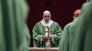 Papa compara abusos sexuais a crianças com sacrifícios dos ritos pagãos