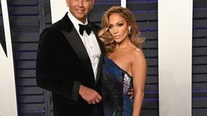 Jennifer Lopez é apalpada pelo noivo em público