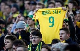 Estádio do Nantes levanta-se em homenagem a Emiliano Sala