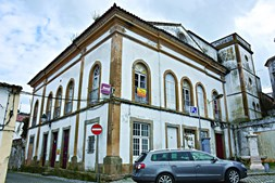 Teatro Portalegrense, no centro da cidade, pertence a privados, que querem desfazer-se do edifício