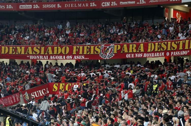 e9dfc447bdb Sporting diz que demora na justiça está a beneficiar Benfica no apoio às  claques