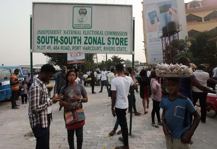 180c067335 Comissão eleitoral adia eleições na Nigéria para 23 de fevereiro ...
