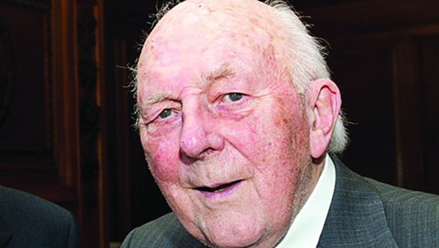 Stewart Adams tinha 95 anos