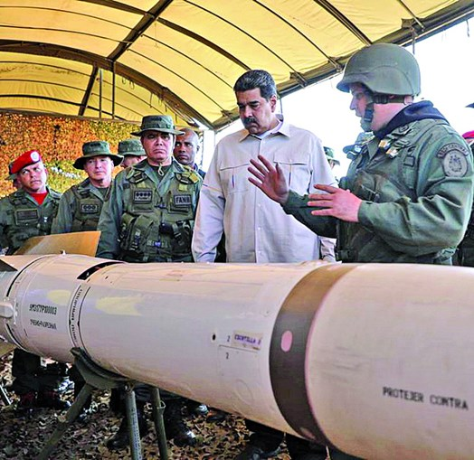 Maduro visitou o local onde decorrem as maiores manobras militares do país