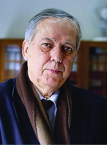 Júlio Santos dirige o Agrupamento de Escolas