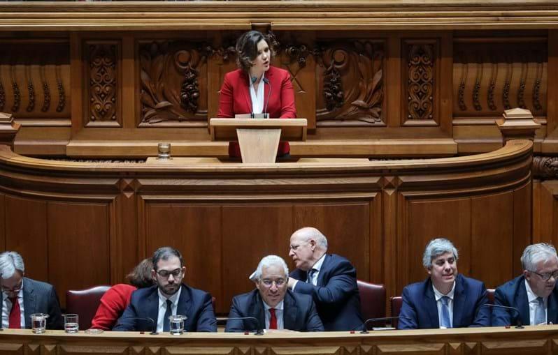 Assunção Cristas no debate da moção de censura ao governo de António Costa no Parlamento